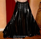 Rock Latex schwingend lang